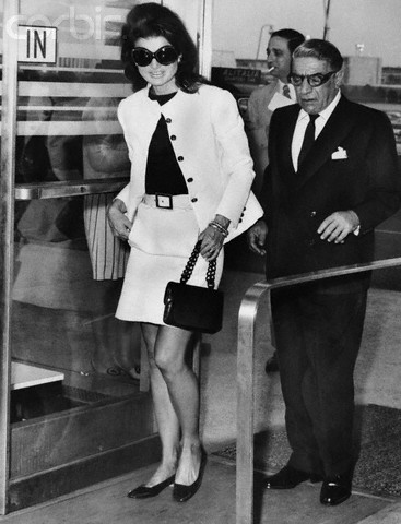 6fed48af0d Jackie Onassis and Aristotle Onassis at Airport