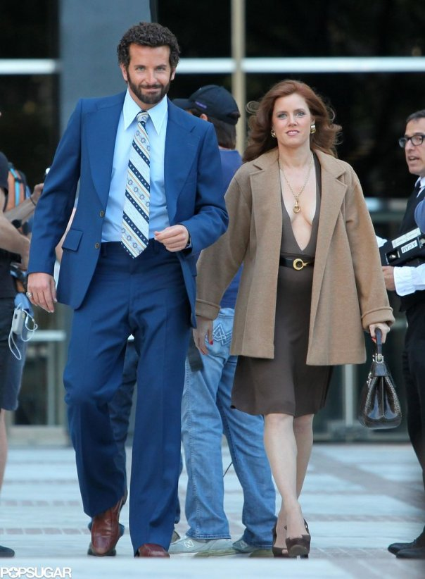 Bradley-Cooper-Amy-Adams-American-Hustle-Set